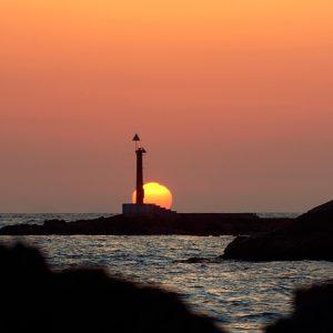 入選 「朝日と灯台」 東野 廣