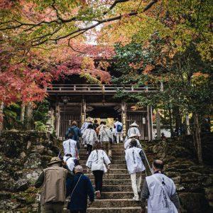 キッズ特別賞 「紅葉とお遍路さん」 上笹 快斗